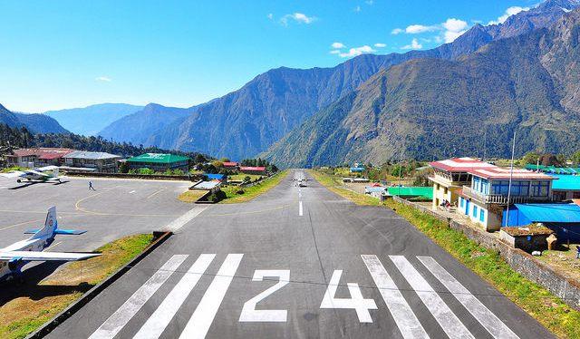 Day 1 – Kathmandu to Lukla toPhakding